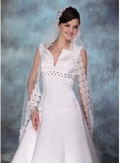 One-tier Waltz Bridal Veils With Lace Applique Edge (006003744)