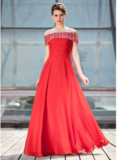A-linjainen/Prinsessa Off--Shoulder Lattiaa hipova pituus Sifonki Morsiamen äiti-mekko jossa Rypytys Helmikuvoinnit Paljetit (008018927)