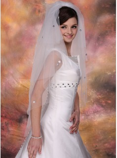 Four-tier Fingertip Bridal Veils With Cut Edge (006020348)