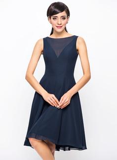A-Line/Princess Scoop Neck Knee-Length Chiffon Bridesmaid Dress (007054329)