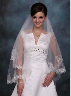 One-tier Waltz Bridal Veils With Lace Applique Edge (006020354)