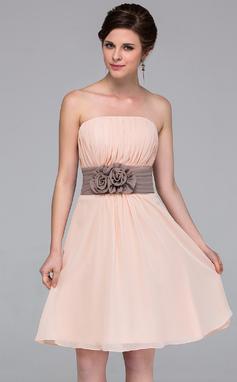 A-linjainen/Prinsessa Olkaimeton Polvipituinen Sifonki Morsiusneitojen mekko jossa Satiininauhavöitä Kukka(t) (007037256)