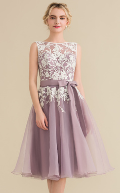 A-Line/Princess Scoop Neck Knee-Length Organza Lace Bridesmaid Dress With Bow(s) (007144740)