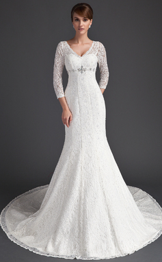 Trumpet/Mermaid V-neck Chapel Train Lace Wedding Dress With Beading (002011525)