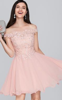 Corte A Off-the-ombro Curto/Mini Tecido de seda Vestido de boas vindas com Beading lantejoulas (022124858)
