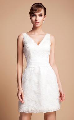 Forme Fourreau Col V Court/Mini Dentelle Robe de mariée (002011935)