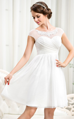 A-Line/Princess Scoop Neck Knee-Length Tulle Wedding Dress With Ruffle Beading Appliques Lace Sequins (002056244)