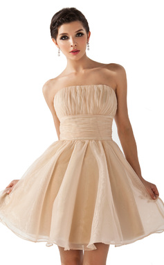A-Line/Princess Strapless Short/Mini Organza Bridesmaid Dress With Ruffle (007051849)