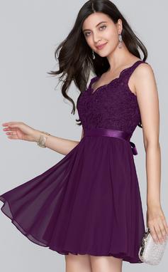 Corte A Decote V Curto/Mini Tecido de seda Vestido de boas vindas com Curvado (022124860)