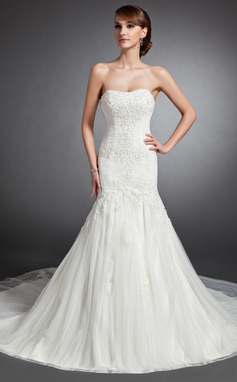 Trumpet/Mermaid Sweetheart Cathedral Train Tulle Wedding Dress With Ruffle Lace Beading (002015136)