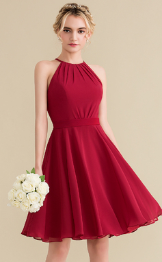 A-Line/Princess Scoop Neck Knee-Length Chiffon Homecoming Dress With Ruffle Bow(s) (022165786)