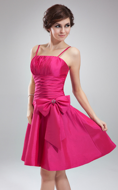 A-Line/Princess Knee-Length Taffeta Bridesmaid Dress With Ruffle Beading (007051866)
