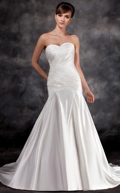 Forme Sirène/Trompette Bustier en coeur Traîne moyenne Charmeuse Robe de mariée avec Plissé Motifs appliqués Dentelle (002016928)