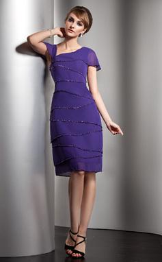 A-Line/Princess V-neck Knee-Length Chiffon Mother of the Bride Dress With Beading Sequins (008006104)