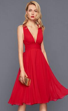 Трапеция/Принцесса V-образный Длина до колен шифон Коктейльные Платье с Рябь Бант(ы) (016140361)
