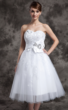 A-Line/Princess Sweetheart Tea-Length Tulle Wedding Dress With Lace Beading Flower(s) (002024082)