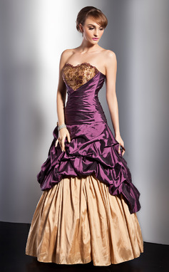 A-formet/Prinsesse Sweetheart Gulvlengde Taft Quinceanerakjole med Frynse Blonder Perlebesydd Blomst(er) (021014747)