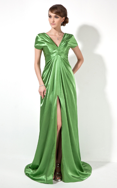 Forme Princesse Col V Traîne moyenne Charmeuse Robe de soirée avec Plissé Fendue devant (017022522)