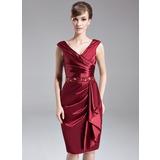 Платье-чехол V-образный Длина до колен Шармёз Платье Для Матери Невесты с Бисер блестками Ниспадающие оборки (008005688)