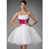 A-Line/Princess Sweetheart Short/Mini Organza Wedding Dress With Ruffle Sash Beading (002004011)