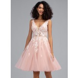 A-Line V-neck Knee-Length Tulle Homecoming Dress With Beading Sequins (022203149)