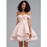 Corte A Off-the-ombro Curto/Mini Crepe Elástico Vestido de boas vindas com Babados em cascata (022203116)