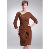 Платье-чехол V-образный Длина до колен шифон Платье Для Матери Невесты с Рябь Бисер (008006556)