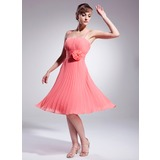 A-Line/Princess Knee-Length Chiffon Cocktail Dress With Flower(s) Pleated (016008222)