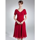 Трапеция/Принцесса V-образный Длина до колен шифон Платье Для Матери Невесты с Рябь (008016007)