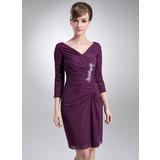 Платье-чехол V-образный Длина до колен шифон Платье Для Матери Невесты с Рябь Бисер (008006442)