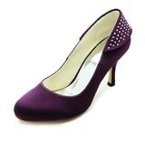 Vrouwen Satijn Stiletto Heel Closed Toe Pumps met Bergkristal (047018190)