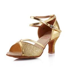 Mulheres Couro Espumante Glitter Saltos Sandálias Latino Salão de Baile com Correia de Calcanhar Sapatos de dança (053041588)