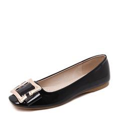 Женщины PU Плоский каблук На плокой подошве Закрытый мыс с пряжка обувь (086139686)