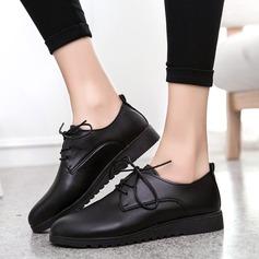 Женщины PU Плоский каблук На плокой подошве Закрытый мыс Танкетка с Шнуровка обувь (086142408)