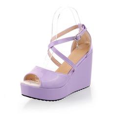 Konstläder Kilklack Sandaler Pumps med Spänne skor (087048914)