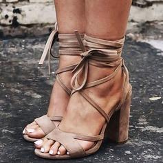 Женщины Замша Устойчивый каблук Сандалии На каблуках Открытый мыс с Шнуровка обувь (087124938)