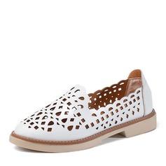 Женщины кожа На плокой подошве Закрытый мыс с В дырочку обувь (086165205)
