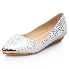 Kunstleder Flascher Absatz Flache Schuhe Geschlossene Zehe mit Tierdruckmuster Schuhe (086062523)