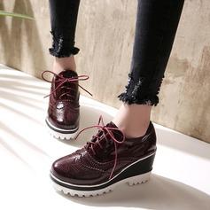 Femmes Cuir verni Talon compensé Bout fermé Compensée avec Dentelle chaussures (086119370)