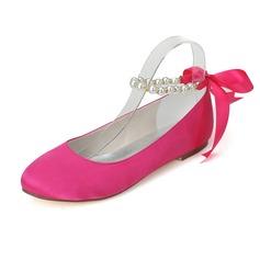 Kvinner Satin Flat Hæl Lukket Tå Flate sko med Imitert Perle (047077970)