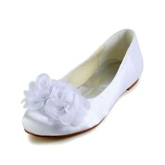 Vrouwen Satijn Flat Heel Closed Toe Flats met Satijnen Bloem (047029476)