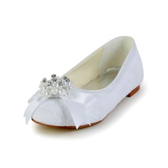 Kids' Lace Satin Flat Heel Closed Toe Flats With Bowknot Imitation Pearl (047031815)