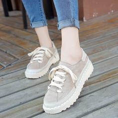 Женщины Замша Плоский каблук На плокой подошве с Шнуровка обувь (086134602)