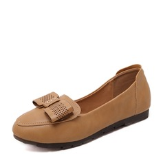 Женщины PU Плоский каблук На плокой подошве Закрытый мыс с бантом обувь (086139716)