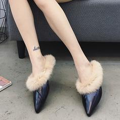 Женщины PU Плоский каблук На плокой подошве Закрытый мыс Босоножки с мех обувь (086141376)