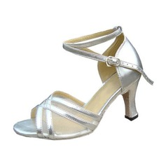 Vrouwen Patent Leather Hakken Sandalen Latijn met Enkelriempje Dansschoenen (053013010)