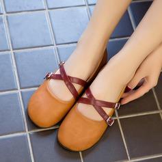 Женщины PU Плоский каблук На плокой подошве Закрытый мыс с пряжка обувь (086145718)