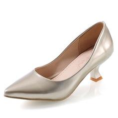 Женщины кожа Низкий каблук (рюмка) На каблуках Закрытый мыс обувь (085060047)