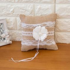 Чистая элегантность Кольцо подушки в Атлас с Цветы (103093314)