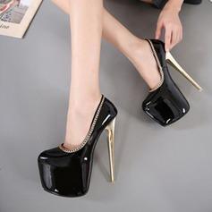 Женщины кожа Высокий тонкий каблук На каблуках Закрытый мыс с Цепь обувь (085120539)